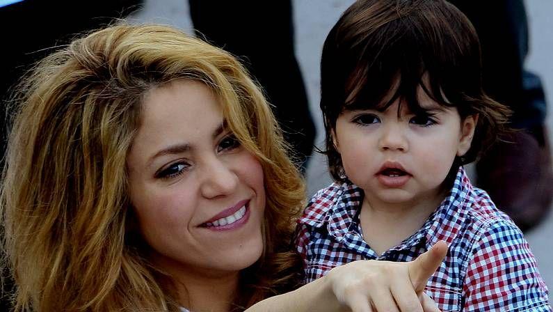 Shakira, junto a su hiijo Milán Piqué, en el plató de «La Voz».