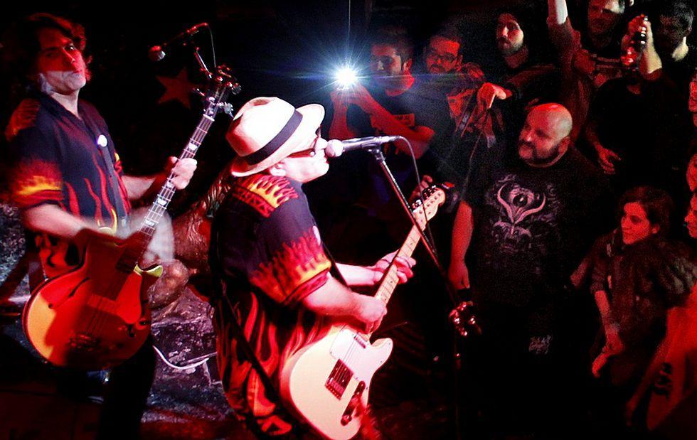 Imagen de archivo de una actuación del grupo vigués Siniestro Total, plato fuerte de las fiestas