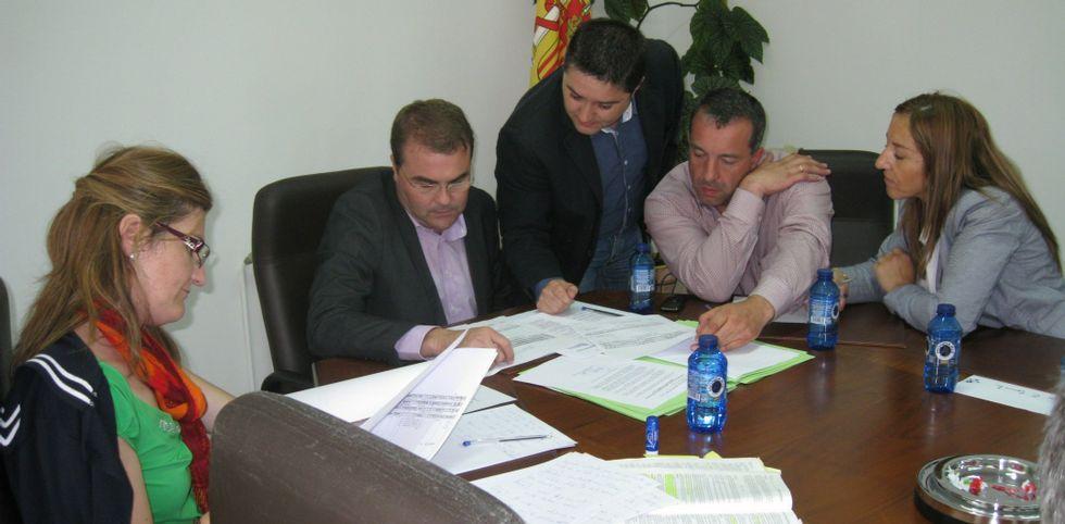 El exregidor, a la izquierda, en la Audiencia Provincial