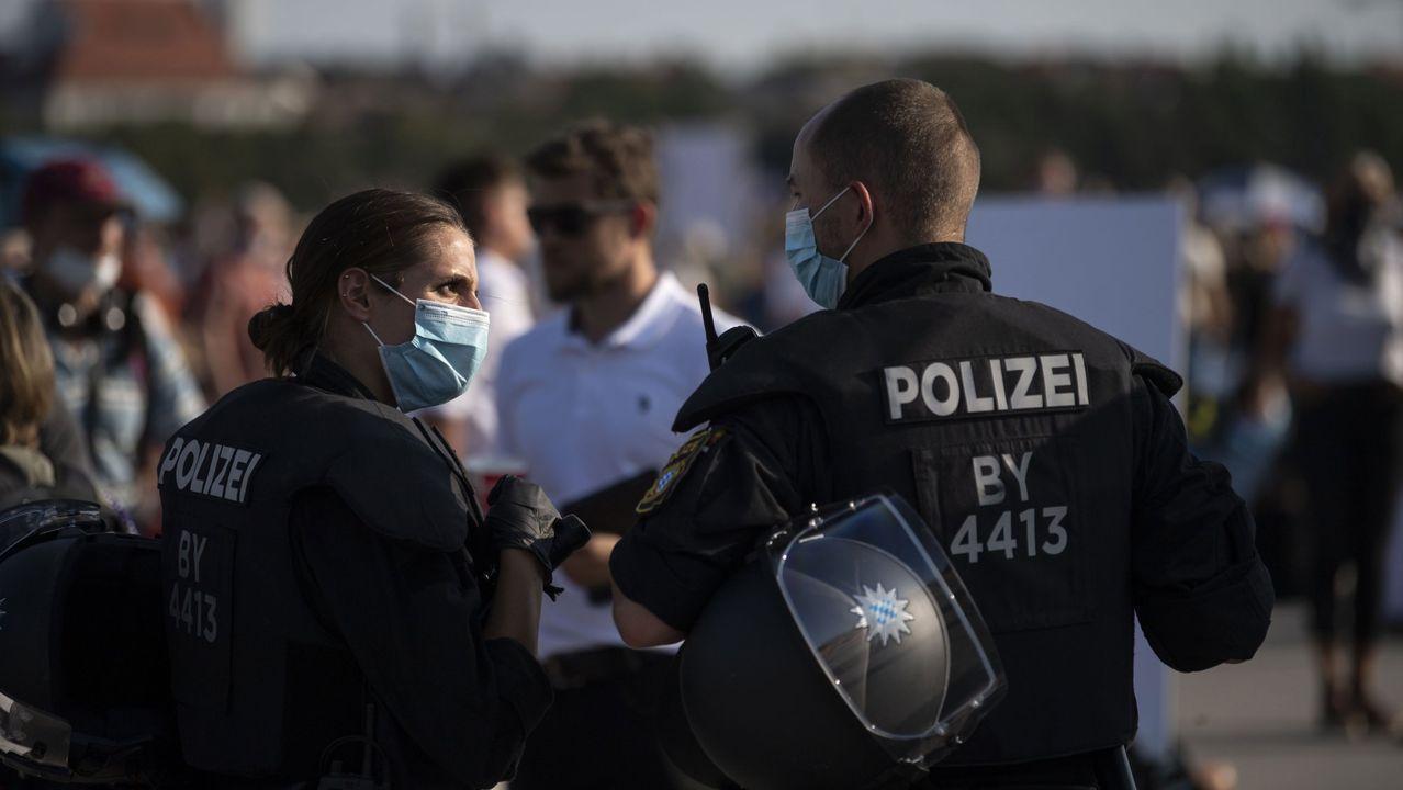 La policía de Munich durante una manifestación de negacionistas del covid-19