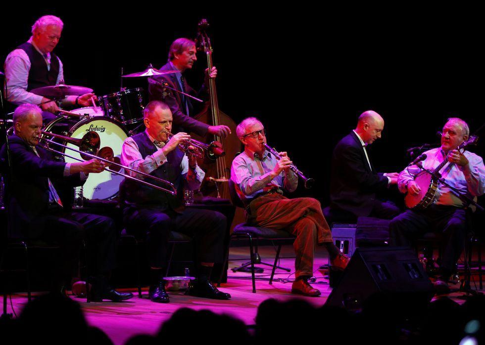 Así es la webserie de los populares de Extremadura.Allen, al clarinete, con la banda de Eddy Davis.