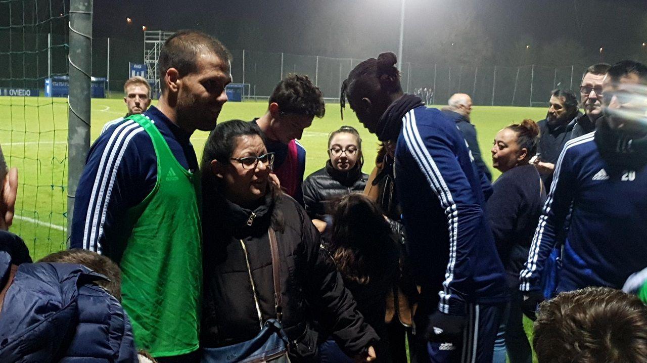 Ortuño, Ibra, Borja Sánchez y Tejera saludan a los aficionados presentes en El Requexón