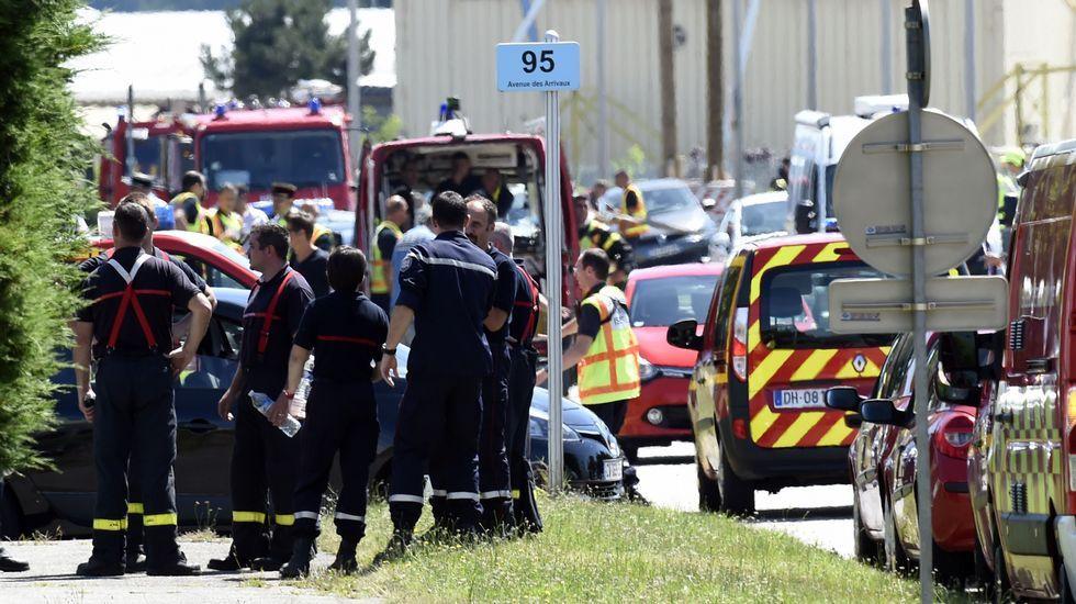 Según los primeros testimonios, una o varias personas accedieron a la planta de gas a bordo de un vehículo.