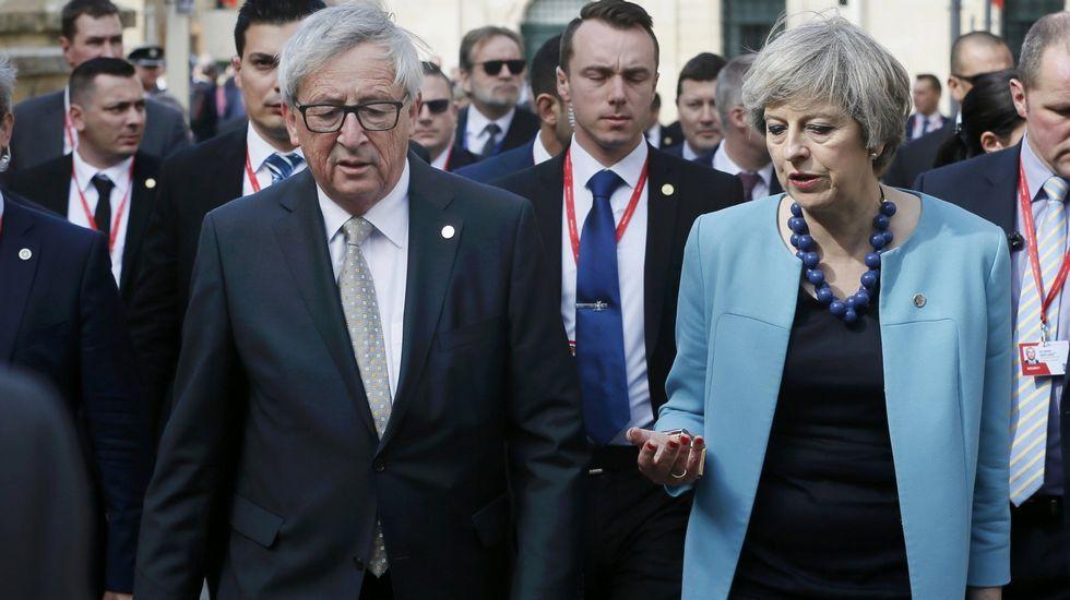 Jean-Claude Juncker y Theresa May durante una reunión celebrada en Malta el pasado mes