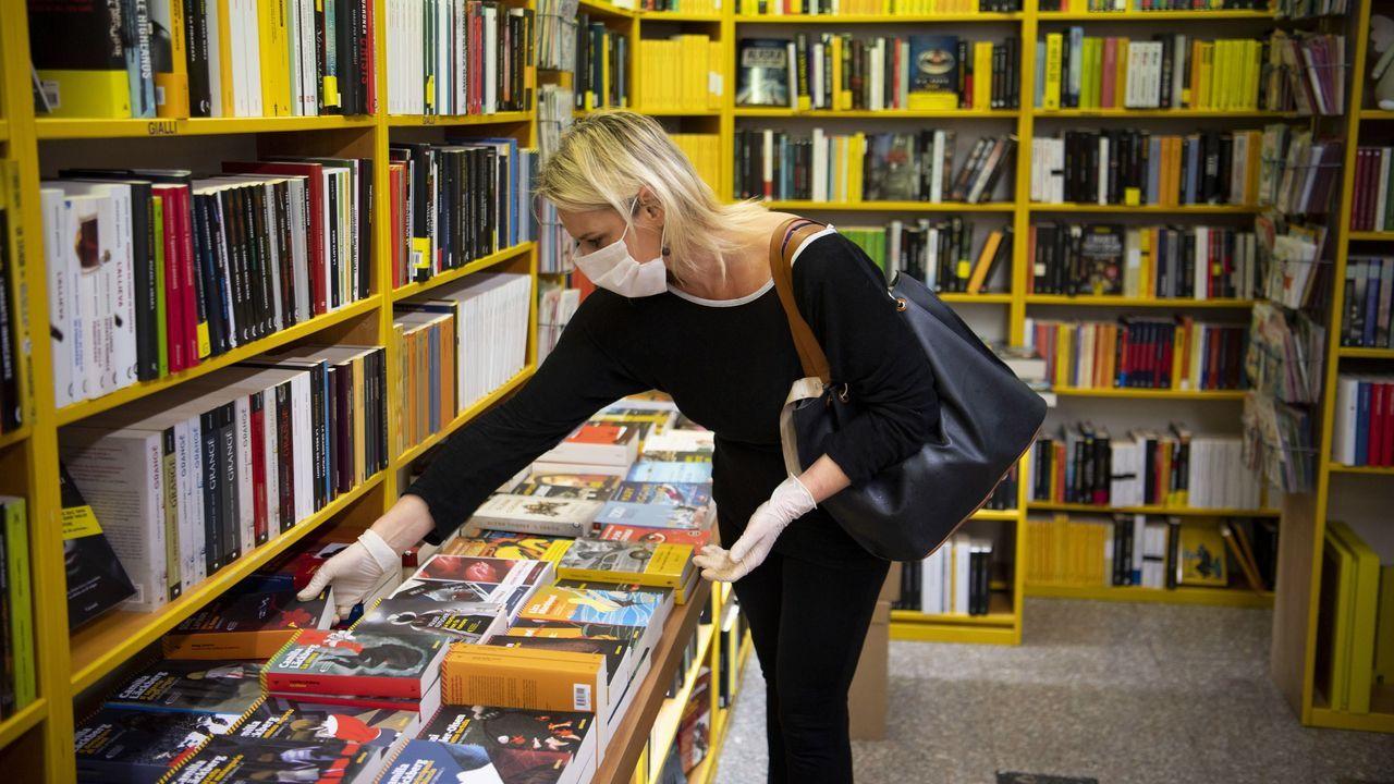 Italia ya ha comenzado la desescalada abriendo negocios como las librerías