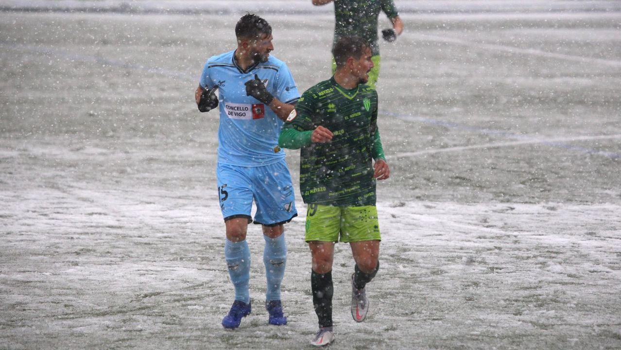 Claudio Beauvue, en una ocasión del partido contra el Racing en A Malata