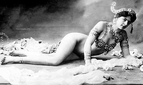 La holandesa Margaretta Gertrude Zelle se transformaría en la bailarina javanesa Mata Hari.