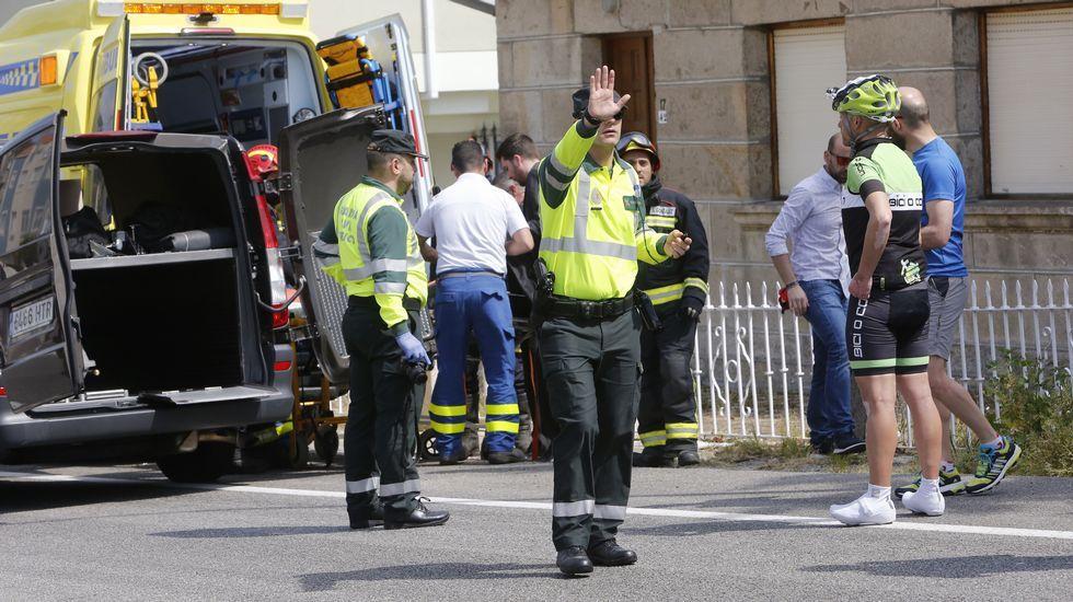 Muere un ciclista arrollado por un coche en la PO-308 en Raxó