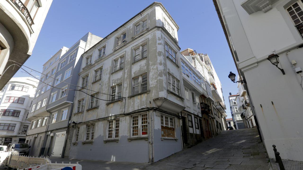 mino.Tapiado contra con los okupas: en el 2017 el edificio de la calle Amargura quedó vacío y fue objetivo de los okupas, lo que llevó a tapiarlo. Su dueño asegura que «ultiman» su reforma