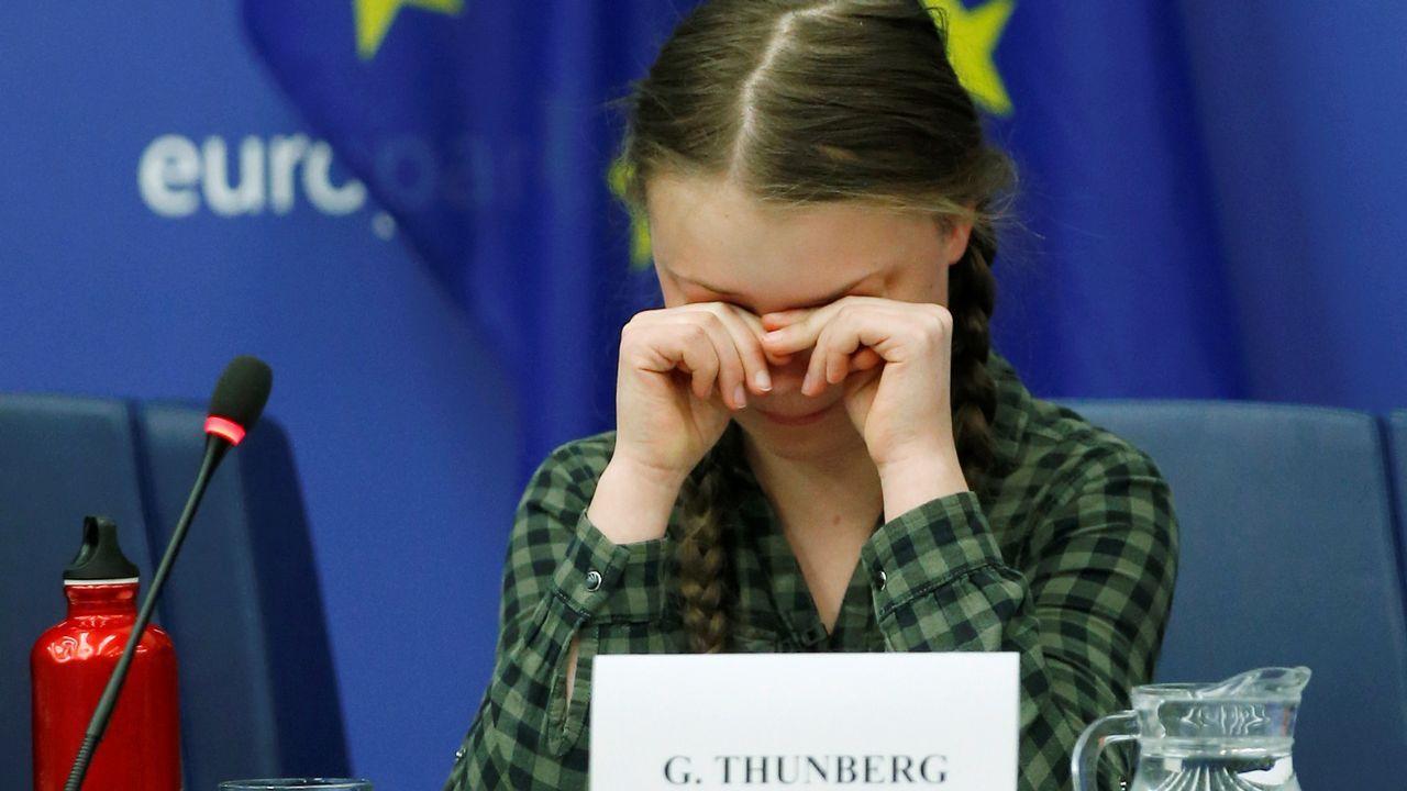 Greta Thunberg se emociona ante el Parlamento Europeo