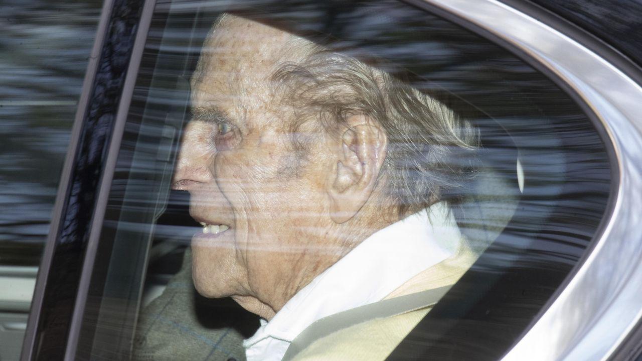 El duque de Edimburgo, saliendo del hospital King Edward VII en Londres, el pasado 16 de marzo