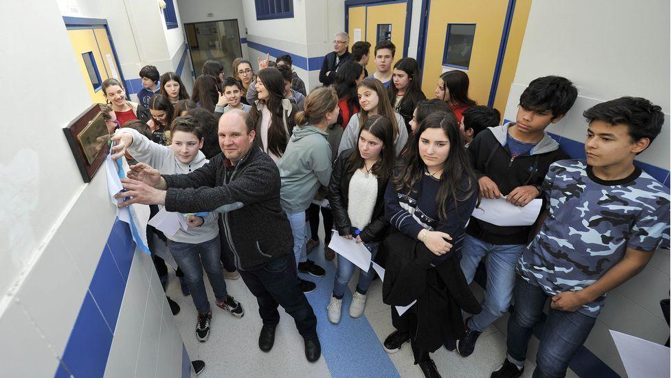 Alumnos participantes nunha das experiencias do programa Fungastic