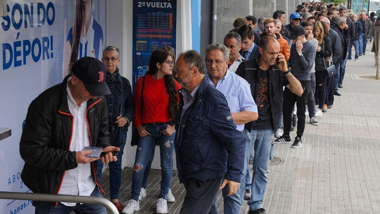 Largas colas en Riazor para la final por el ascenso.Borja Valle espera que Riazor esté a reventar