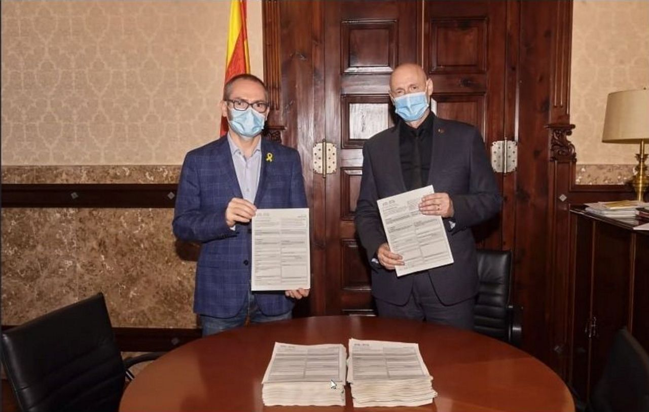El vicepresidente primero del Parlament, Josep Costa, y el primer secretario del Parlament, Eusebi Campdepadrós (JxCAT)