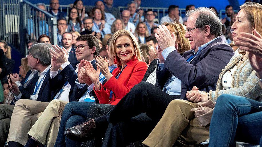 La convención del PP, en dos minutos: entre el intento de buen rollo y el protagonismo de Cifuentes.Rajoy y Cristina Cifuentes, en la convención del PP