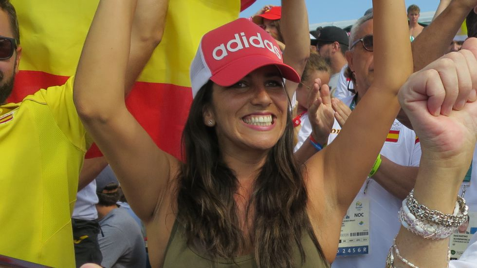 Irene Junquera, animando a Toro.