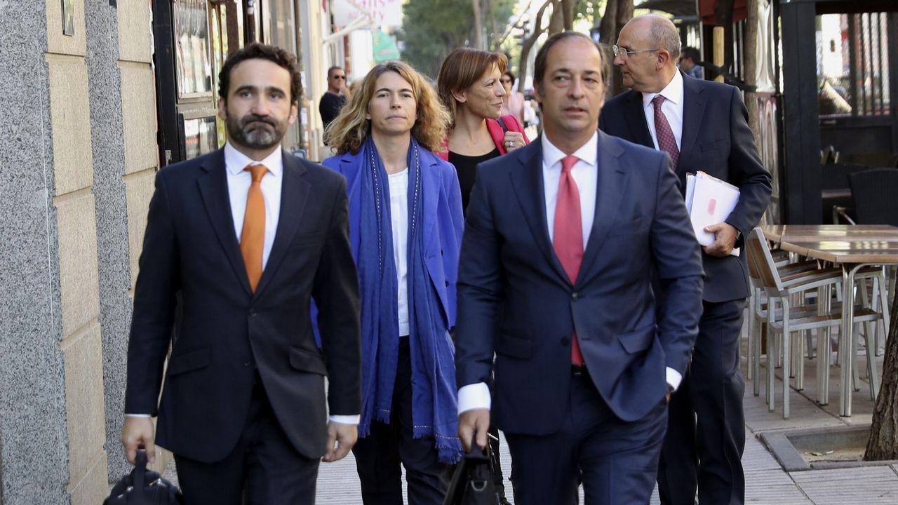 Ultimátum de Rajoy a Puigdemont.Cuatro abogados y un procurador en representación de Artur Mas