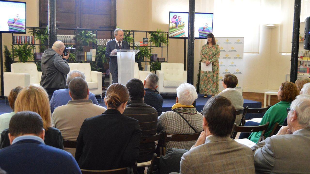 Wenceslao López, alcalde de Oviedo, hablando en LibrOviedo