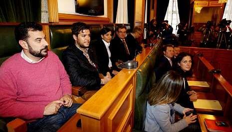 El grupo municipal del PP aboca al Concello de Santiago a una situación insólita por sus múltiples frentes judiciales.
