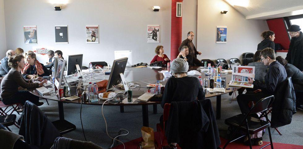 La yihadista que practicaba tiro con ballesta.La plantilla de «Charlie Hebdo» trabaja en la redacción del periódico «Libération».