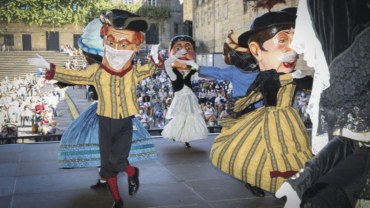El ánimo festivo no decae en Santiago