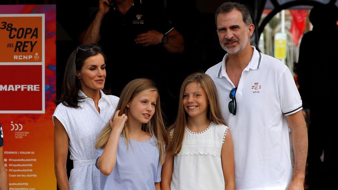Los Reyes y sus hijas ya están en Mallorca.Valentina Sampaio, en la presentación de la colección de Andrés Sardá para primavera-verano 2020 en la Madrid Fashion Week