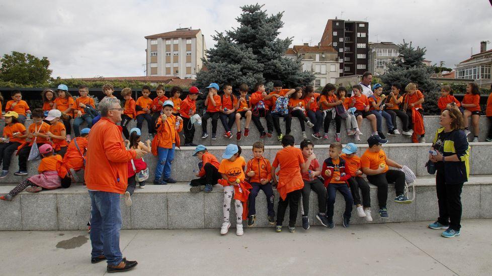 Estudiantes del Colexio Novo de Monforte, tras su llegada al Parque dos Condes