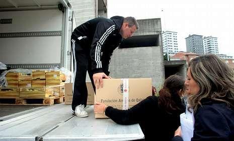 Amigos de Galicia colabora con familias de Santiago con dificultades económicas.