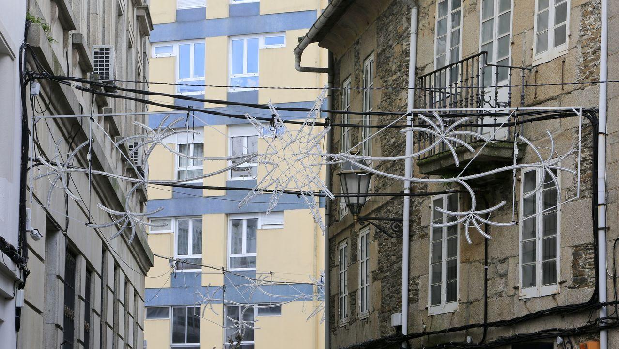 Los cables recorren el corazón de la Muralla