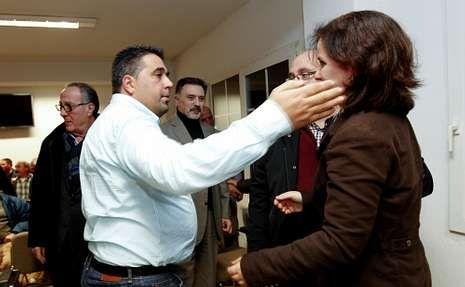 Antonio Landeira dio el relevo a María Josefa Pose, número seis entre los alcaldes democráticos.