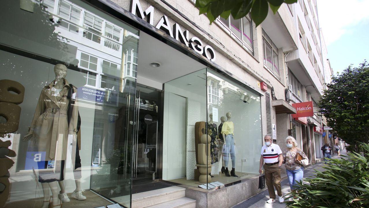 Las rebajas de invierno comienzan de forma tímida en A Coruña.Primark abrió su tienda en Santiago en el año 2012