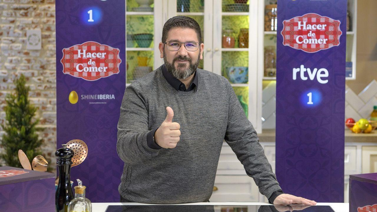 El chef Dani García, en la cocina del programa «Hacer de comer»