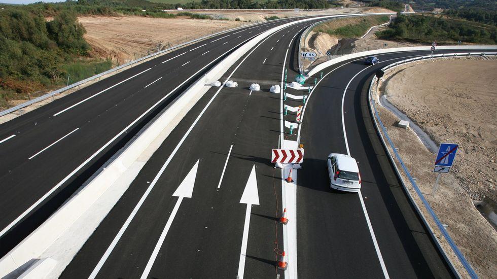 AP-9: ¿Un peaje eterno?.La autopista es gratuita de Lalín hacia Ourense, y gana tráfico cuando se convierte en autovía gratuita.