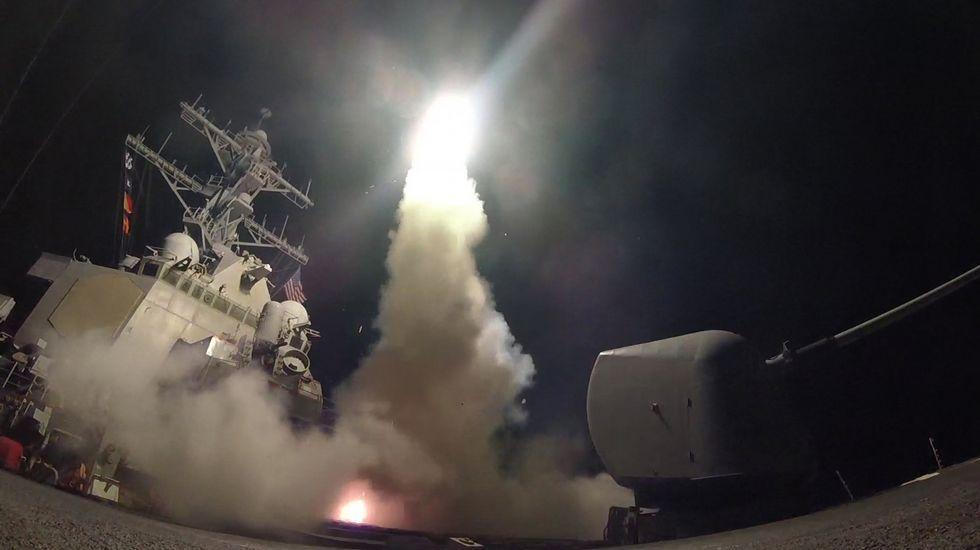 Trump cumple su amenaza y bombardea Siria tras el ataque químico