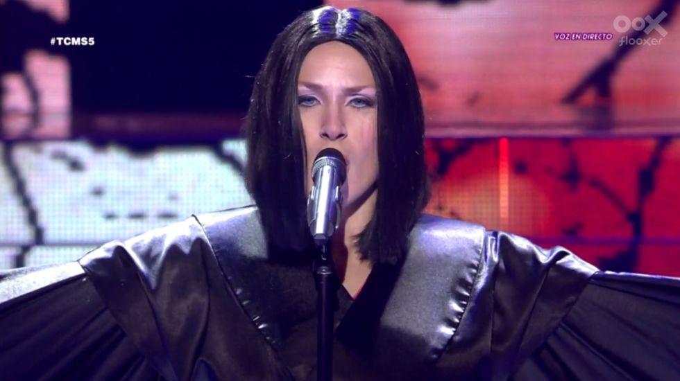 Rosa imita a Madonna: «Frozen»