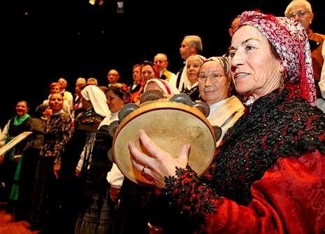 <span lang= es-es >Festival de Corais</span>. Participarán las polifónicas de Bergantiños y de Carballo y el Coro Aires de Bergantiños (en la imagen).