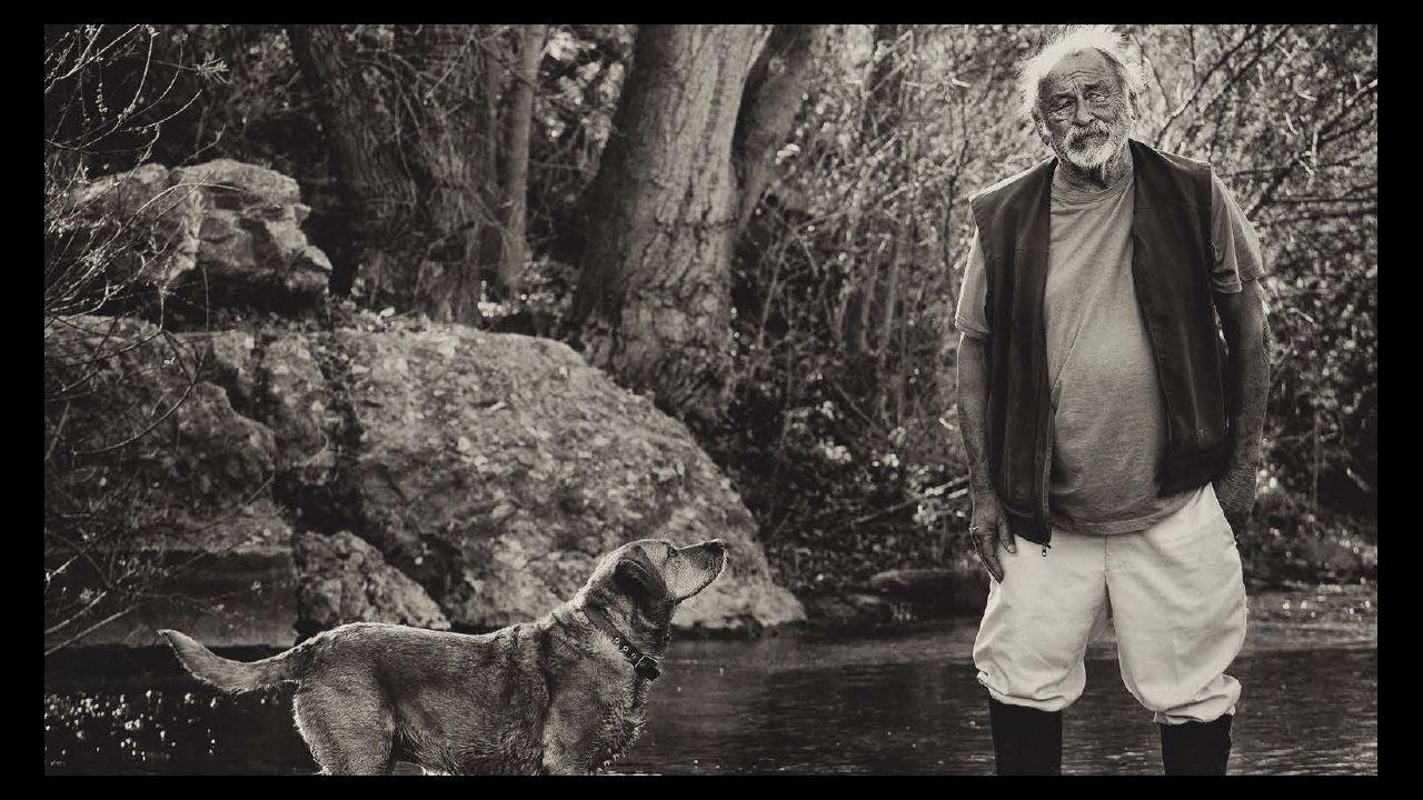 Jim Harrison (Michigan, 1937-Arizona, 2016), escritor, poeta, viajero, pescador, gran gourmet y buen bebedor, anota su editora en España