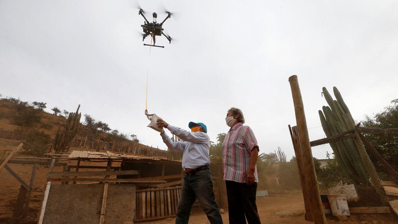 Un dron entrega las medicinas a una familia chilena