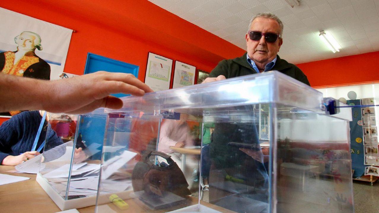 Colegio electoral en el pabellón de las Mercedarias de Ferrol