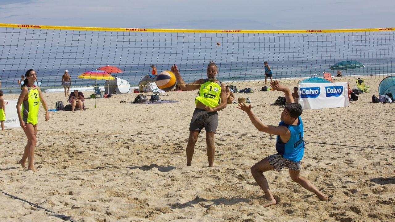 De otro lado, el arenal carballés de Razo acogió este domingo el Torneo Fundación Luis Calvo Sanz
