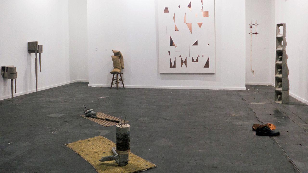 Estand de la galería murciana Art Nueve con obras de Javier Pividal y Pablo Capitán del Río