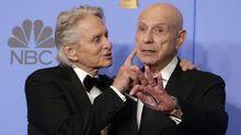 Michael Douglas y Alan Arkin celebran el premio al «Método Kominsky»