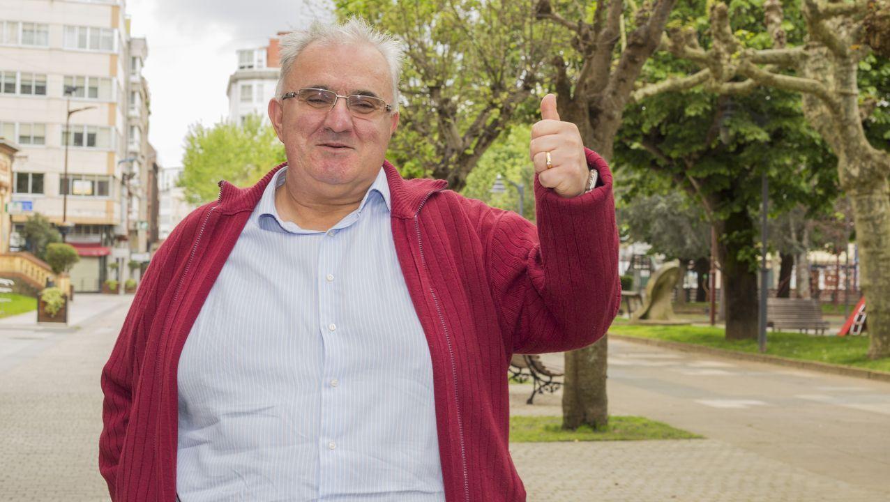 José Manuel Castro regenta el D'Luxe en Carballo