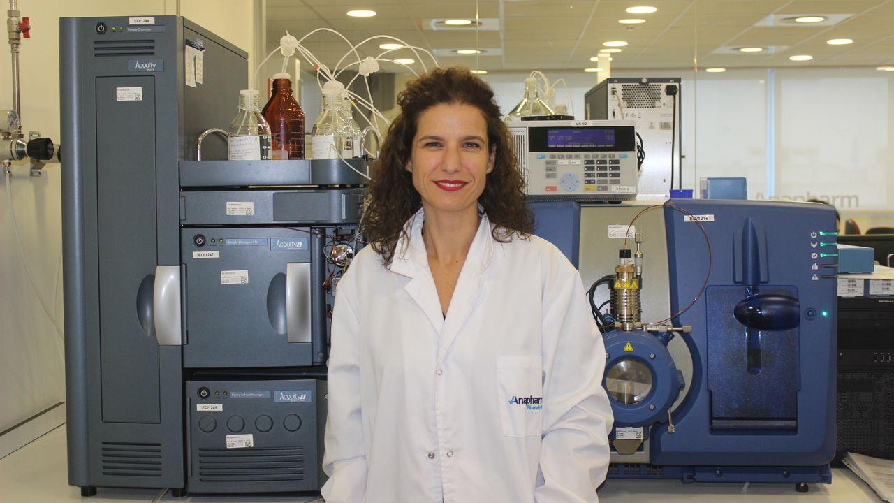 Así se promocionaba el complejo de Porto Cabral.Catarina Horro Pita, coruñesa, directora de operaciones de Anapharm Bioanalytics, en el laboratorio de la empresa, en Barcelona.