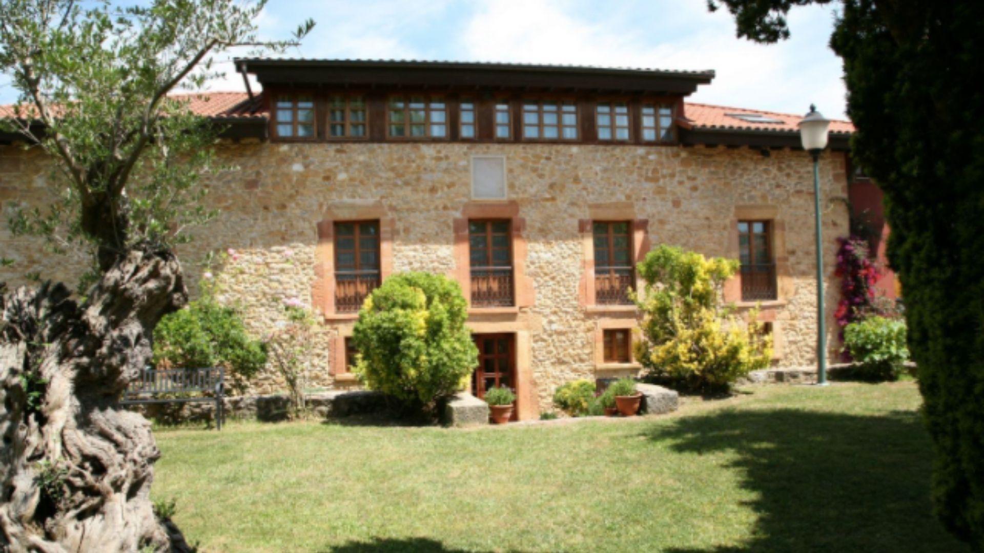Palacio hotel a la venta en Colloto