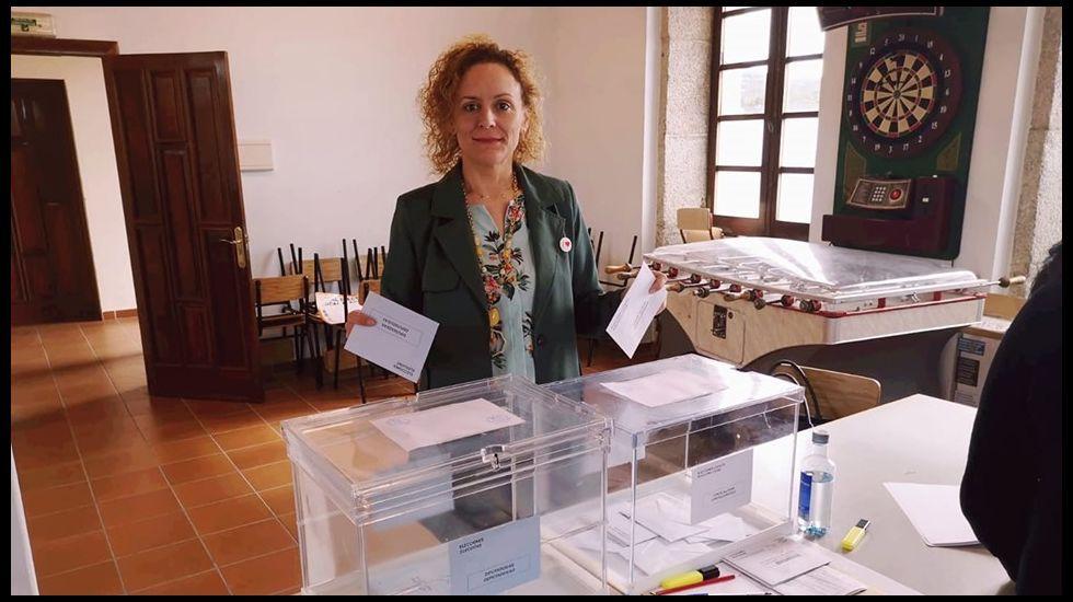 Votación de Paula Mouzo, secretaria xeral del PSOE de Vimianzo