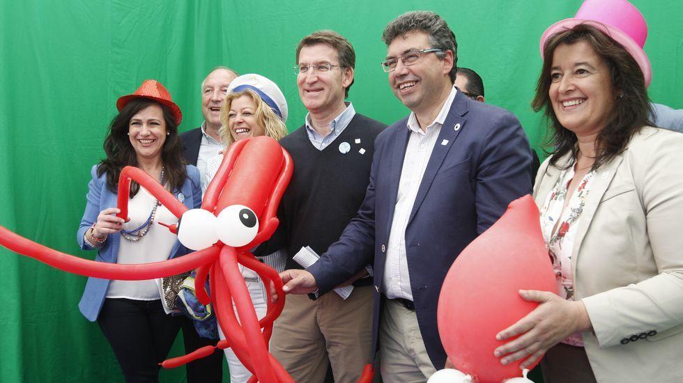 Feijoo hizo campaña en Redondela, donde asistió a la Festa do Choco