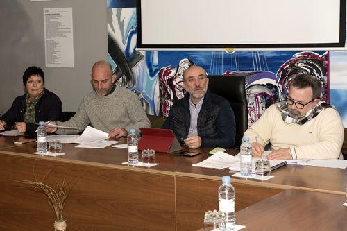 El conselleiro Francisco Conde acude a una demostración en Urovesa.Irene Lorenzo y Teresa Holmes en el puesto de productos españoles en el mercado de Brockley