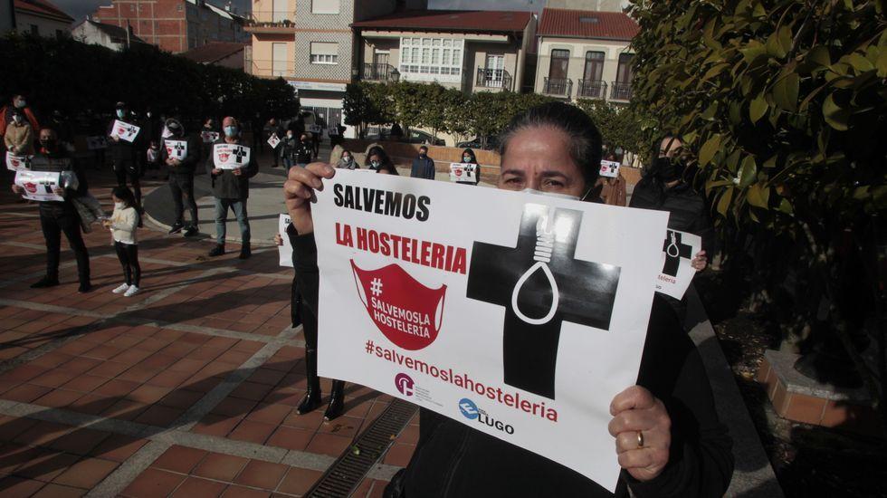 Protesta de hosteleros el pasado día 7 en Monforte contra el cierrre forzoso de bares y restaurantes
