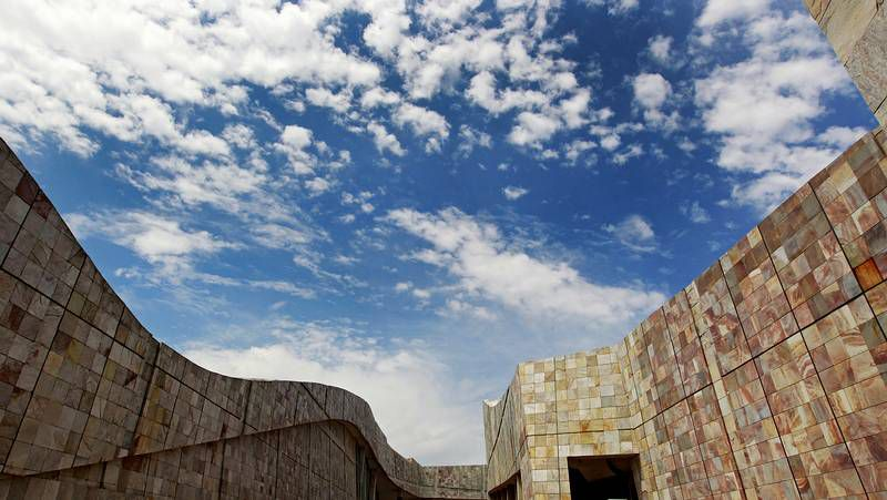 Don Quijote de la Mancha culmina su aventura en la playa de Barcelona